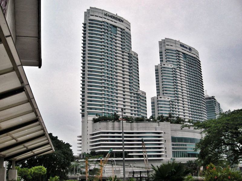 Architecture Building Exterior Built Structure Skyscraper City Modern Day Outdoors Low Angle View Tree Sky No People Muziumnegara EyeEmNewHere The Week On EyeEm