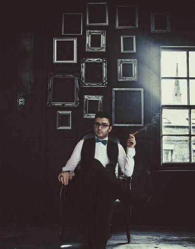 Yalnızlık paylaşılmaz. / Paylaşılsa yalnızlık olmaz. Ozdemirasaf 😉😎 Özdemir Asaf Frame Dark Suitcase Cigarette