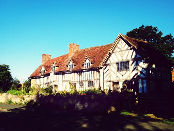Mary Arden's house and farm (William Shakespear's mothers home). William Shakespeare Heritage Cottage Gardens