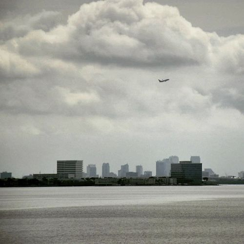 Downtown Tampa Florida Airport Clouds Black And White P7taylor Epicearthco Creative Light And Shadow
