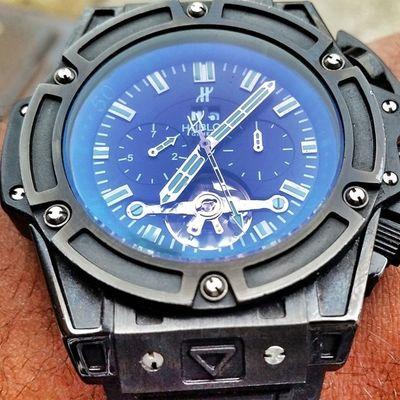 Chipped my watch up -_- HUBLOT
