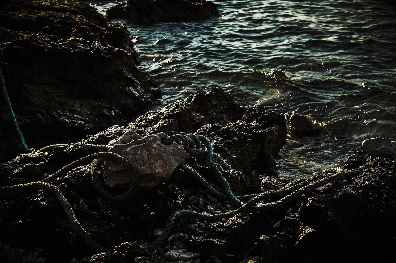 water, nature, rock - object, no people, sea, beauty in nature, outdoors, day, tranquility, wave, close-up
