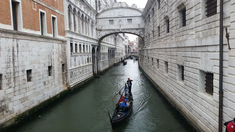 Architecture Building Exterior Built Structure Canal City Day Gondola - Traditional Boat Gondolier Men Mode Of Transport Nautical Vessel Outdoors People Real People Transportation Water