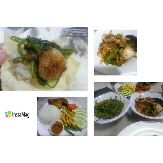 Papadom Sambalprawn Sambalbelacankangkong Ayampenyet yummy at tajkitchen latepost dinner
