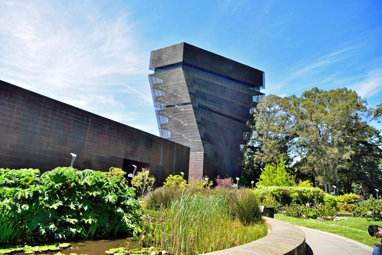 DeYoung Museum _ Observation Tower 1 San Francisco CA🇺🇸 Golden Gate ParkFine Arts Museum New Building  Built 2005 Replaced 1895 Original Building Damaged By 1989 Loma Prieta Earthquake Architecture Modern Architectural Detail Exterior : Perforated & Dimpled Copper Plates Garden Of Enchantment Courtyard  Landscape Architects: Jacques Herzog,Pierre De Meuron,Fong + Chan Observation Tower 144 Ft. Panoramic Views Cityscape San Francisco Bay Marin Headlands