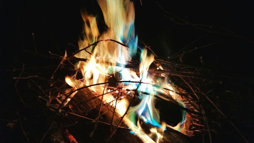 Magic Fire Fireart Fire Fire And Flames Green FiRe ❥ Blue Fire Iart Check This Out Eye4photography  Fire Art Flames & Fire Backyard Firepit was a really cool fire with that colored fire powder on it, taken at Willams lake, Washington State