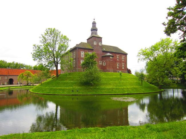 Water Reflection Castle Of Limbricht Buildings Beauty