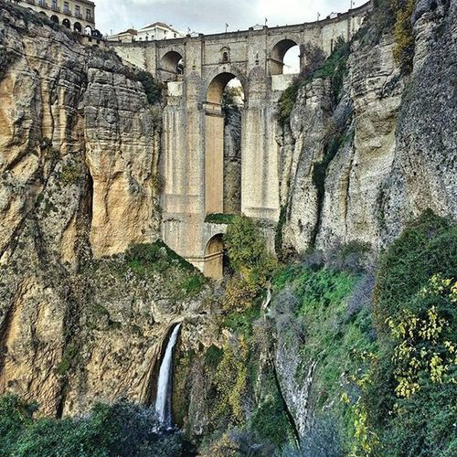 Ronda has a pretty impressive bridge spanning a huge gorge and looks like it could be a set from Lord Of The Rings. THEVANDIARIES Vanlifediaries Ronda Bridge Waterfall Travelstoke LOTR Gorge Traveleurope Travelblog Instatravel