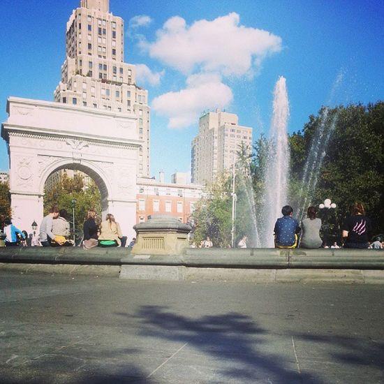 Washingtonsquare Fountain Arc NYC