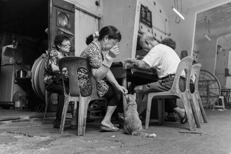 Kuala Lumpur September 17, 2016 A Slice Of Life FUJIFILM X100S FUJIFILM X100S Kuala Lumpur Mahfuz Jaffar Photography Street Photo Street Photographer Street Photography Street Portrait Streetphotography Wet Market