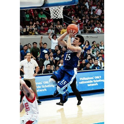 The Phenom @kieferravena15 dominates, scores career-high 22 points leading the Blue Eagles victory over UE Red Warriors, 77-72, Sunday at MOA Arena Uaap76 ADMUvsUE Basketball Kiefthefaith kieferravena ateneoblueeagles admu obf themanansala photography