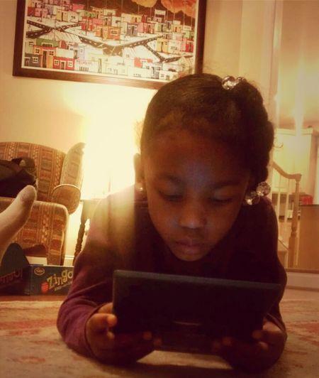 My Lil Shawdyy Playin Her Ds Lol 