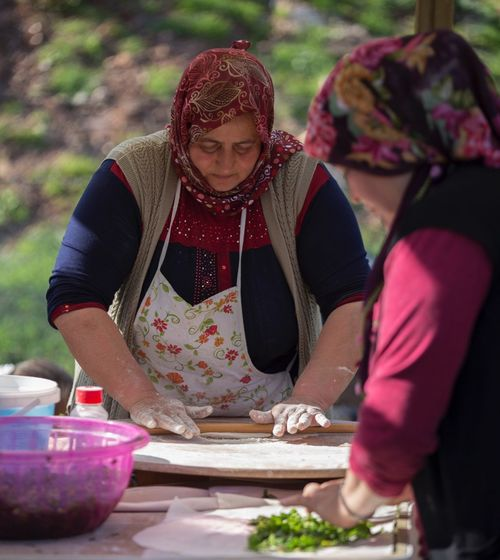 WomeninBusiness Turkey Turkish Woman Portrait Working Work Working Hard Makeacake Breakfast Organik Izmir Izmirlife Town
