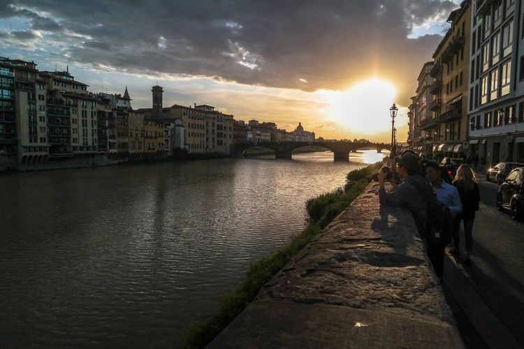Sunset at River Arno - Florence/Italy Firenze River Arno Italy Italy❤️ Enjoying The Sights Relaxing The Great Outdoors - 2016 EyeEm Awards Taking Photos Open Edit Landscape Walking Around Samsung Nx300 Sunset Sunset_collection Check This Out