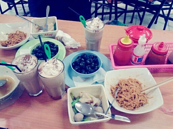 Indonesian Food Yummy ♥ Hanging Out Coffee Mie Yamin Delicious ♡ Maknyusss