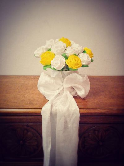 Wedding bouquet made of paper EyeEm Selects Handmade White Roses Table Paper Flowers Bouquet Yellow Yellow Flower Table White Bow Vintage Effect Rose - Flower Roses Wedding Wedding Decoration Wedding Details Decoration Design Flowers Paper Flower Yellow Home Interior Close-up Petal Blooming Flower Head Decorative Art Vase In Bloom