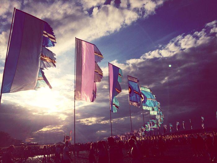 Glastonbury Festival Flags Festival Sun Throw A Curve Summer