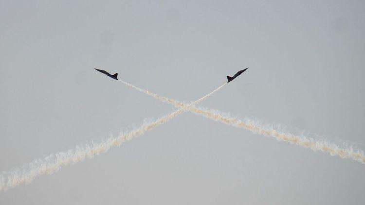 Turkishstars Kordon Izmirkordon 9eylul Sky Fly People Watching Enjoying Life Hi! Check This Out