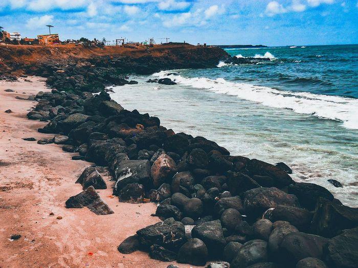 little walk on the dakar corniche in senegal Summer Explore Blue Sky Rock Corniche Borddemer Dramatic Sky Eyembestshots Eyemphotography Outdoor Photography Outdoor Day Dakar Sky And Clouds Senegal Click Click 📷📷📷 Dakar2018 Pebble Beach Sand Wave