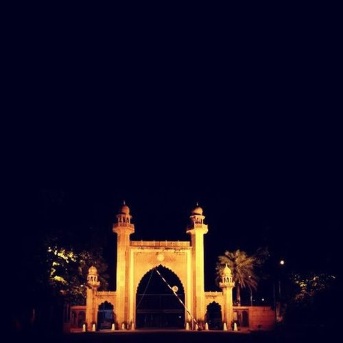 """Before this GATE. ... You have to PLEDGE. ... YOU belongs to this gate. ... not from a community,cast or religion. ... If you do so. ... you are THE ALIG. ..."" Aligarian Mumbra Aligarh Alig Aligarhmuslimuniversity Amu Up India University Indianuniversity Indianphotographers Indianclicks Love Friendship Dosti Yaar Yaariaan Unity Photography Indianmonuments Monument Monuments Gate Bab"