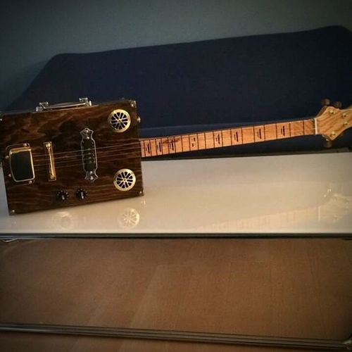 The Dixon by Scratch Guitars Cigarboxguitar 4string Bluesguitar Scratchguitars Cbg Handmade