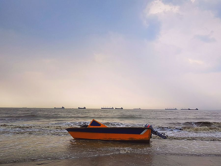 Water Sky Sea Beauty In Nature Pedal Boat Beach Tranquility Nature Scenics Nautical Vessel Speedboat Mobilephotography Beach View Distant Samsung S7 Edge S7 Edge Photography Caged Close-up Full Frame Cloud - Sky