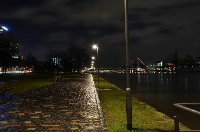 Nachtfotografie Wolkenhimmel Frankfurt Am Main Nachtaufnahme Photography Mond Westhafen Nacht Frankfurt Stadt