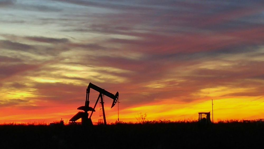 West Texas Skies Midland, TX Oil Field LG G4 Open Edit Oil And Gas Oil Fracking Oil Rig Pump Jack With Sun Setting Behind It Pump Jack The Photojournalist - 2016 EyeEm Awards 2016 EyeEm Awards