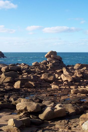 "Old "" Côtes-du-Nord "" ROCKS Pink Granit Granit Granite Rocks Scenic Horizon Over Water No People Outdoors Premium Reef Riff Rock - Object Rocks Sea Manche Mer Celtique Sky No People Gross Blue Of France Marine Blue Rock, Rocks Côte De Granite Rose Premium Collection EyeEm Best Shots - Landscape Area Near or In Perros-guirec"