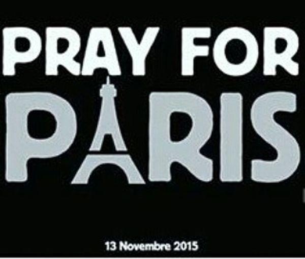 Prayforparis Parisyoteamo 😳💜 Orandoporparis Paris Isis