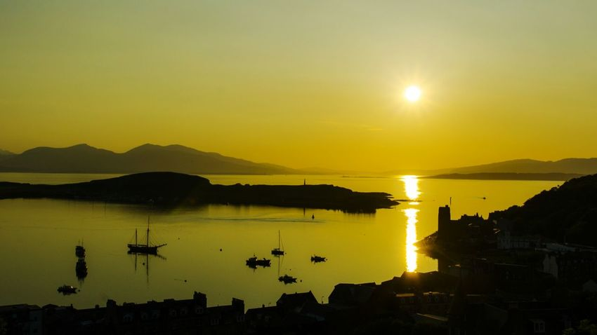 A perfect sunset view from McCaigs tower in Oban. This nice fishing town on the west coast of Scotland was part of my backpacking trip last june. Holiday2016 Explore Travel Backpacker Scotland Scotlandlover Fishingtown Sunset Sunset_collection Sunset Silhouettes Beauty In Nature Dutchphotographer Outdoors Landscape EyeEm Nature Lover Sailing Sailing Boats Harbour Picteresque Panoramicview Idyllic Scenery Sunsetlight Amazing View