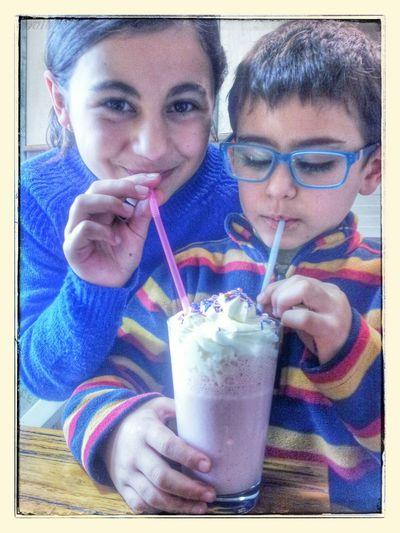 Ice Cream Enjoying Lif Kidsphotograph Popular Photos Health Healthyfo un batido delicioso de fresa