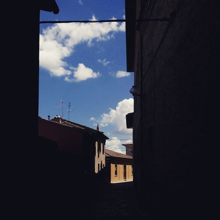 EyeEm Selects EyeEm Best Shots EyeEmNewHere Sky Cloud - Sky Day Outdoors Photography Architecture Urbino Light And Shadow Light Lights And Shadows Contrast High Contrast High Contrast Photograph..