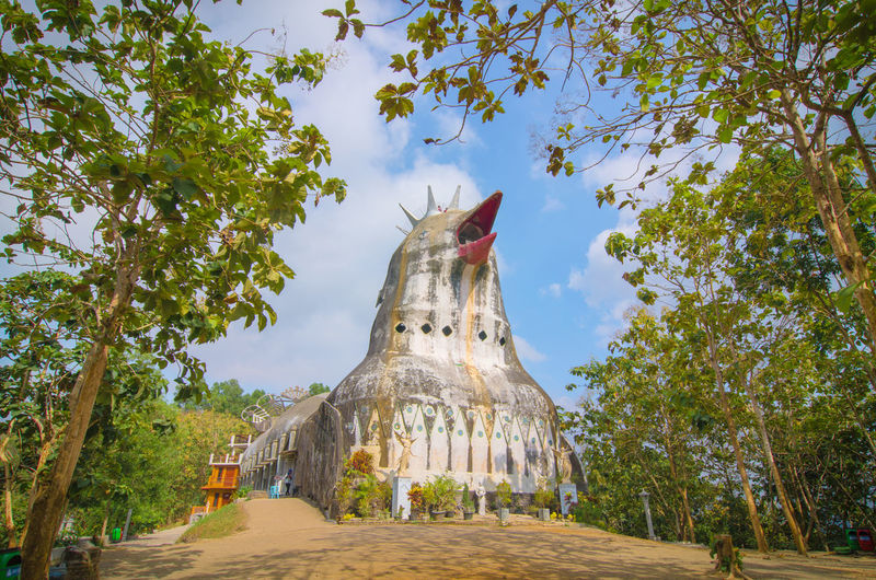 chicken chruch Built Structure Built Structure Building Exterior Building Building Story Chruch Architecture Chicken - Bird Tree City Sculpture Statue Place Of Worship Religion Sky Architecture Ancient
