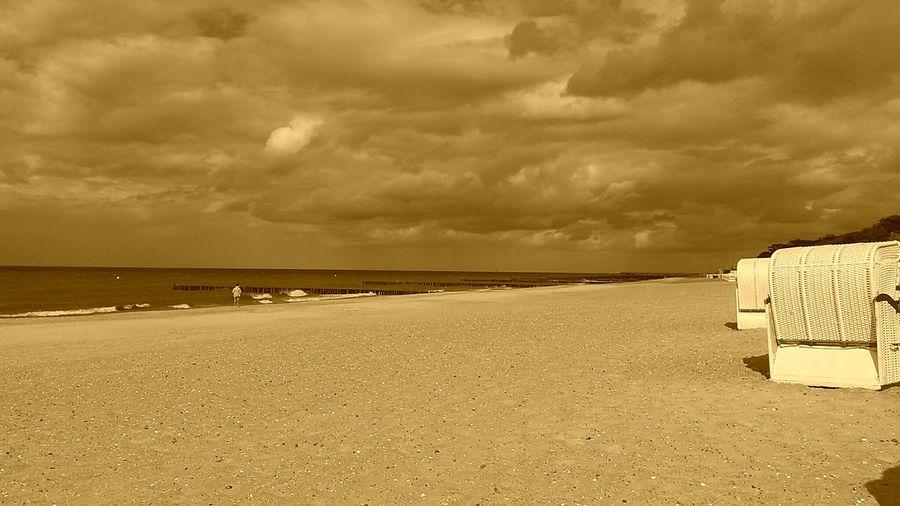 Beach Sea Ocean Meer Strand Ostsee Ozean Eastsea First Eyeem Photo Ausblicke Sky Himmel Sky And Clouds Wolken Clouds Water Wasser Strandkorb Sepia Beach Chairs