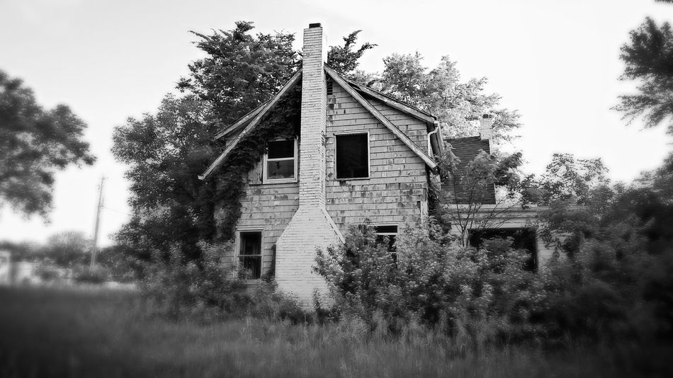 Backwoods Farm House Kansasoutdoors Little Town Abandoned Nature Taking Over Again Country Life Kansas Taking Photos Exploring New Ground Countryside Glaxays5 Blackandwhite Photography The Great Outdoors - 2016 EyeEm Awards Old Buildings Small Town The Following Nature Takes It Back Outdoors Black And White The Portraitist - 2016 EyeEm Awards The Innovator