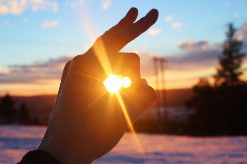 Sunset Sun Human Hand Sunlight Close-up Outdoors Nature Sky Sunbeam Lensflare Anamorphic