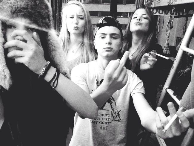 Friends Selfie Thug
