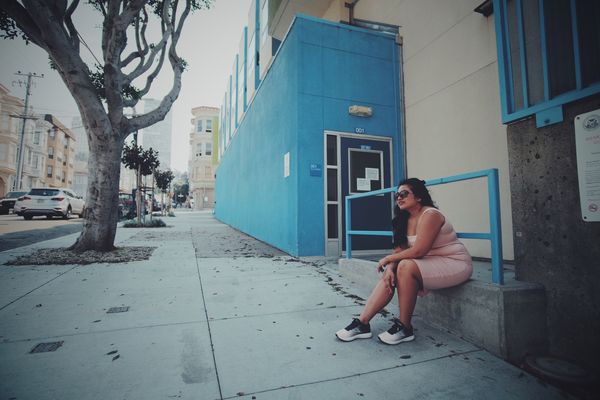 Feelin' blue and rose EyeEm Lombard  San Francisco USA Aaaqhaaa Terfujilah One Person Full Length Real People Building Exterior Built Structure Lifestyles Leisure Activity Street