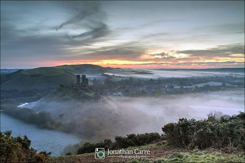 Sunrise and mist at Corfe Castle in Dorset. Landscape Tourism Outdoors Sky Sunrise Dawn Outdoor Photography Beauty In Nature Dorset Outdoor Adventure Dorsetlife Purbecks Purbeck Castle Ruin Castle