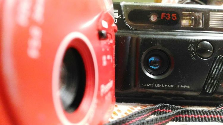 Technology Electrical Equipment Close-up No People Stereo Outdoors Day Maximum Closeness Check This Out What Buyers Want Good Thoughts  Memories Old Cameras Focus On Lens Cameras Focus In The Middle Positivity Ilovephotography Freshness Red Black at Aurangabad India
