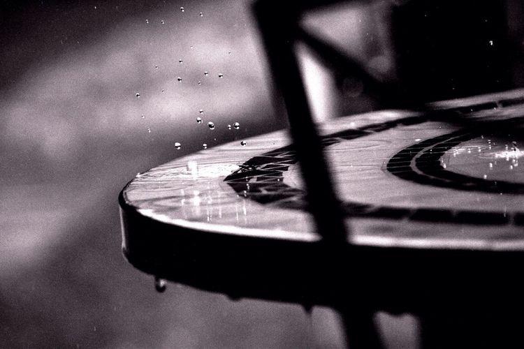 Water Table Droplets Drops Rain Water Droplets Black & White Blackandwhite Black And White Chair Blackandwhite Photography Black&white
