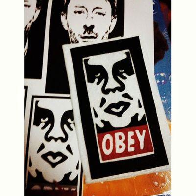 Malam ni malam untuk OBEY .Thom Yorke sayang sabaq dulu k. Esok aku buat kau.