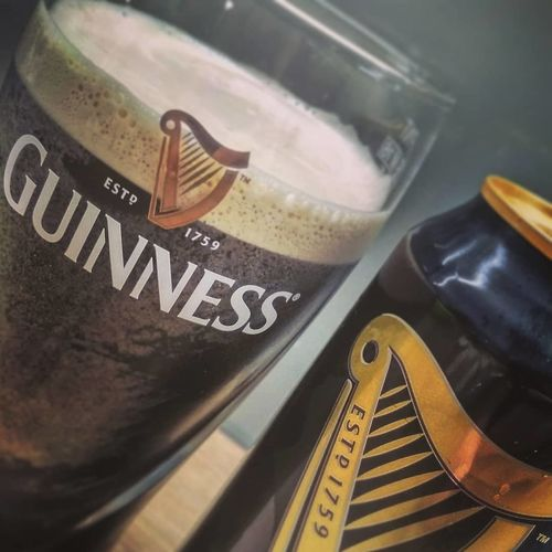 Beer Stout Draught Guinness Genuine Foam No2 Gas Silk Smooth Dark Black Ireland Dublin Glass Cup Can Desk Saint Patrick SaintPatrick StPatric Day Stpatricksday Close-up