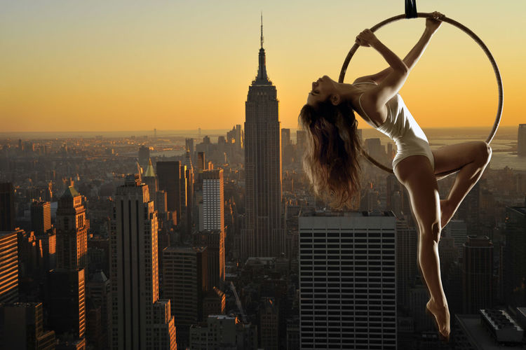 Acrobatic Acrobatics  Aerial Aerial Acrobatics Legs Manhattan Model New York New York City USA Woman Dusk Dusk In The City Empire State Building Empirestatebuilding Girl The Creative - 2018 EyeEm Awards