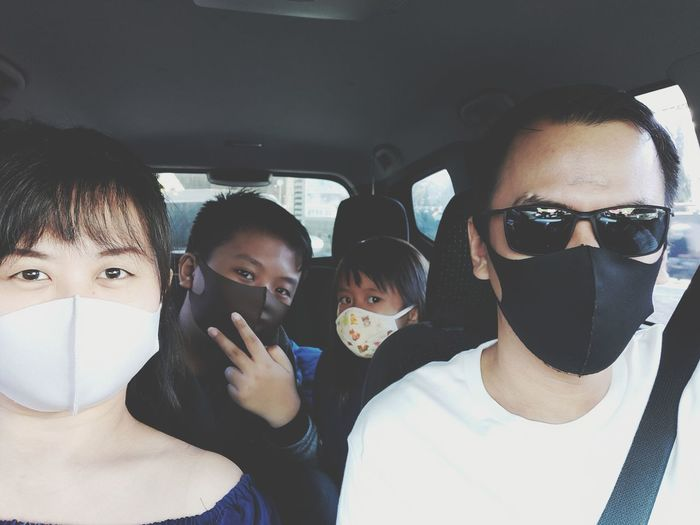 The family uses a mask in the car