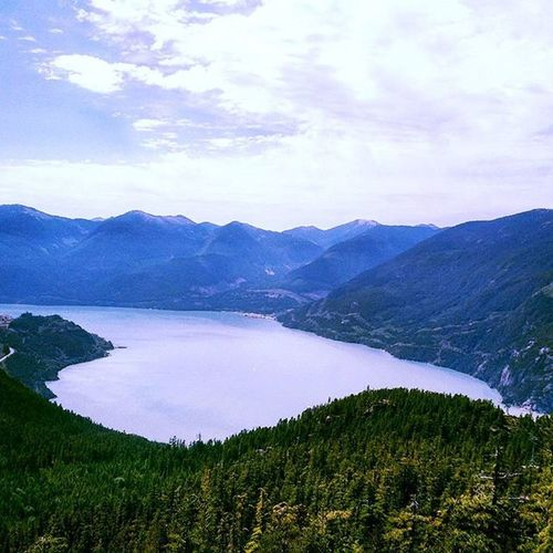 """""""Only if you have been in the deepest valley, can you ever know how magnificent it is to be on the highest mountain"""" - Richard M. Nixon TheChief Squamish Vancitybuzz Vancityhype Warrenjc Hikingadventures Landscape @imagesofcanada"""