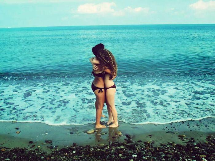 Friends ❤ Big Hug Summer ☀