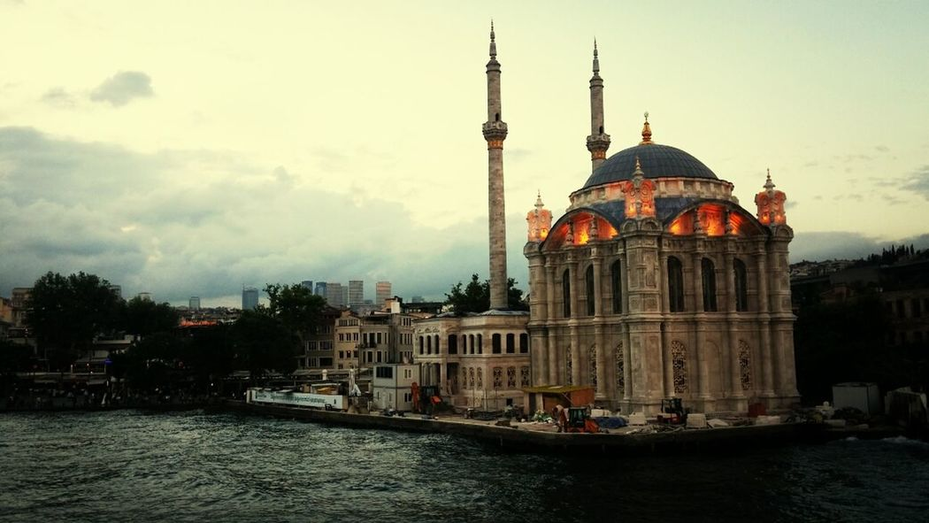 Ortaköy Mosque Gigantic Istanbul - Bosphorus Turkey