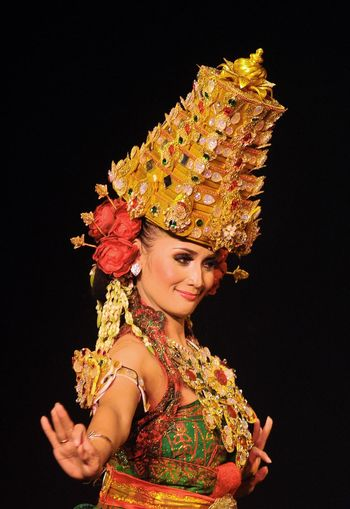 Only Women One Woman Only One Person Portrait Beautiful Woman Beauty People Dancer Women Real People Colors Traditional Clothing Traditional Dancing Make-up Men Art Jawa Timur Banyuwangi INDONESIA Indoors  Tradition Human Body Part Performing Arts Event Arts Culture And Entertainment Nikon